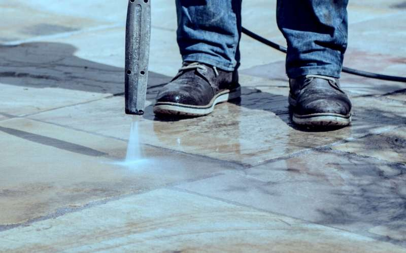 how to use a pressure washer on a patio